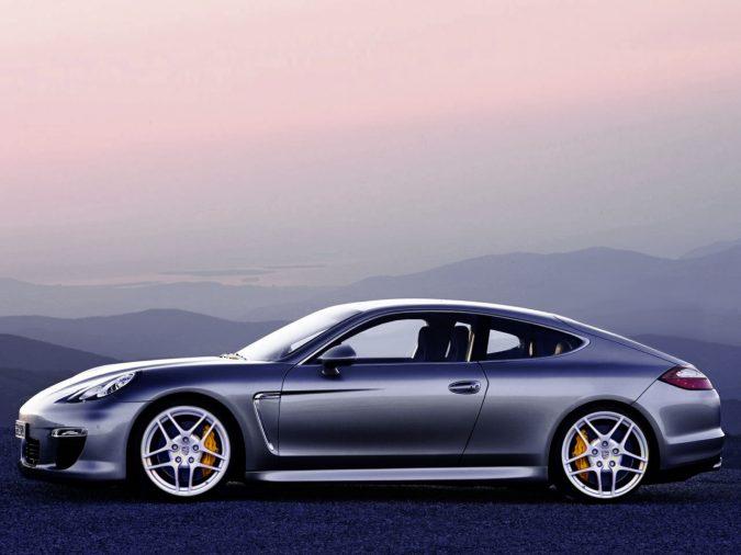 Porsche представляет двухдверную Panamera